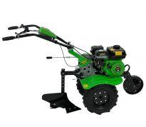 Motoculteur avec charrue et roues agraires
