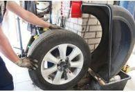 Les démonte-pneus et équilibreuses